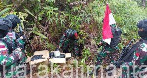Prajurit TNI yang tergabung dalam Satgas Pamtas Yonif 642/Kapuas. Poto : Puspen TNI